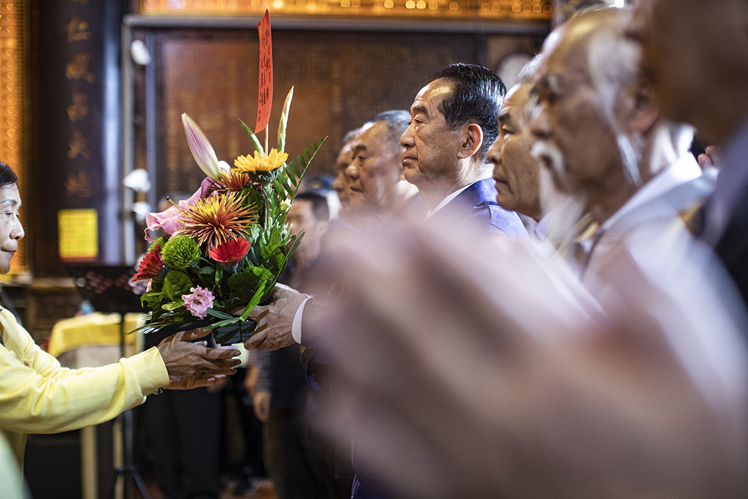 2019年12月20日,宋楚瑜在嘉義的宮廟參拜。