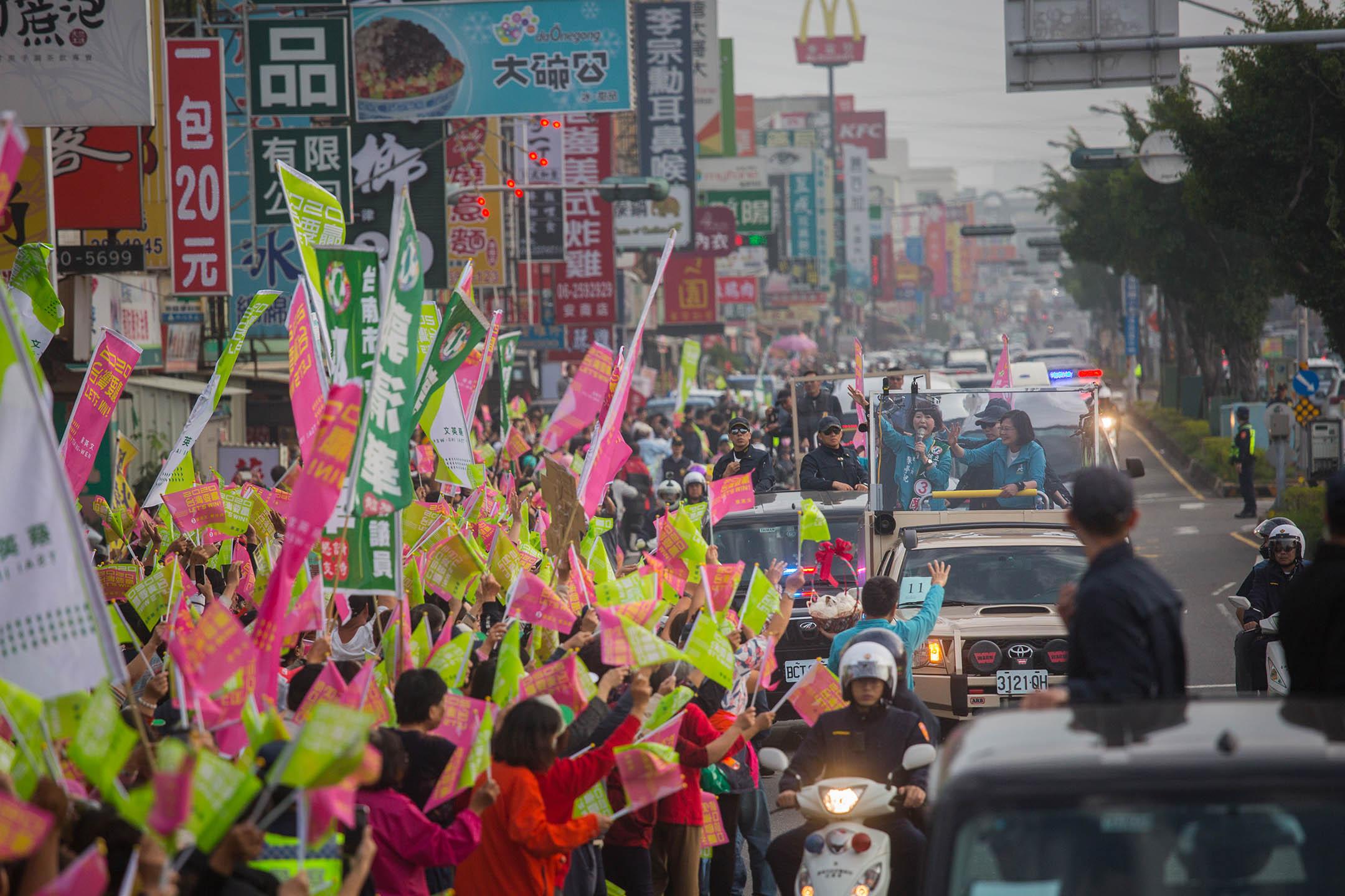 2020年1月6日,蔡英文於台南掃街拜票。 攝:陳焯煇/端傳媒