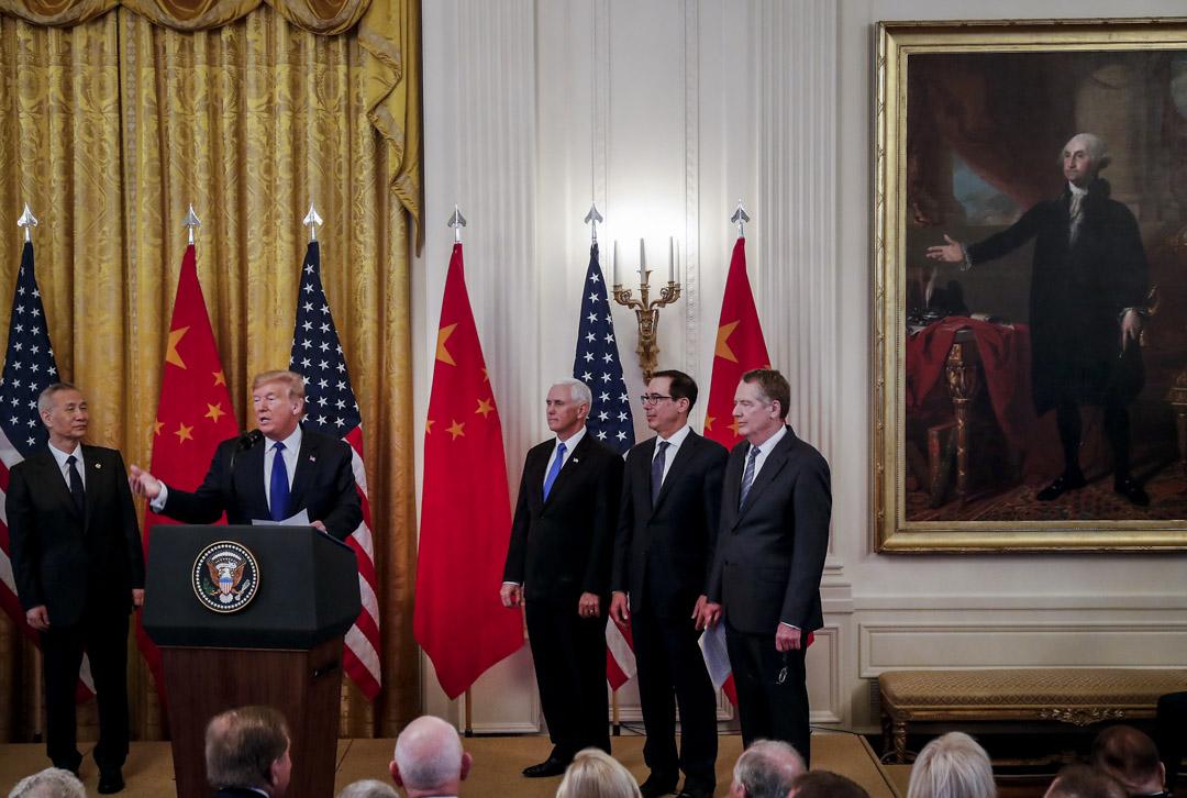 2020年1月15日,美國總統特朗普與中國副總理劉鶴在白宮簽署了兩國第一階段經貿協議。