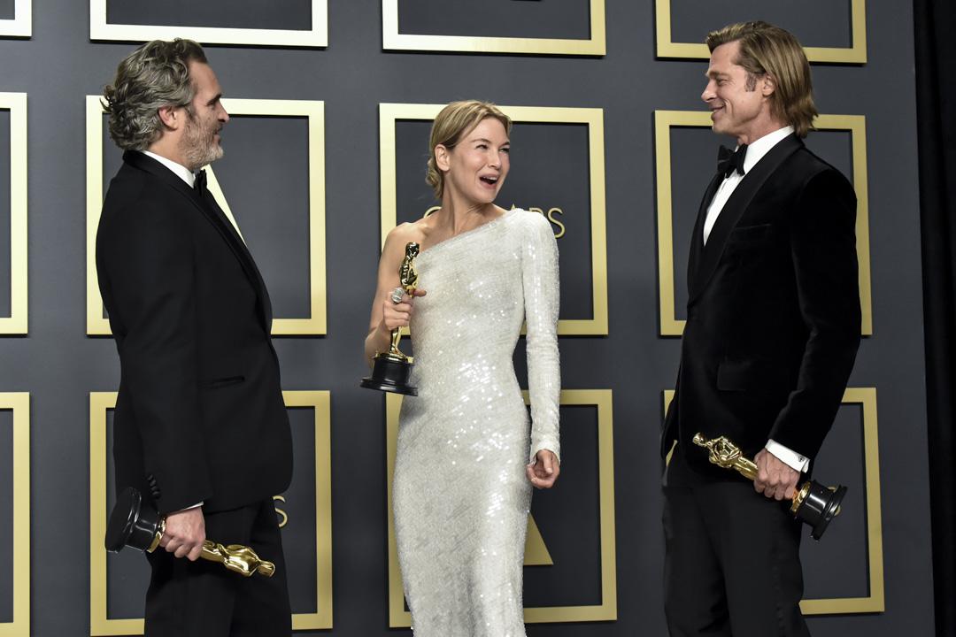 2020年2月9日,第92屆奧斯卡金像獎揭曉,最佳男主角華堅·馮力士、最佳女主角雲妮·絲維嘉與最佳男配角畢彼特。