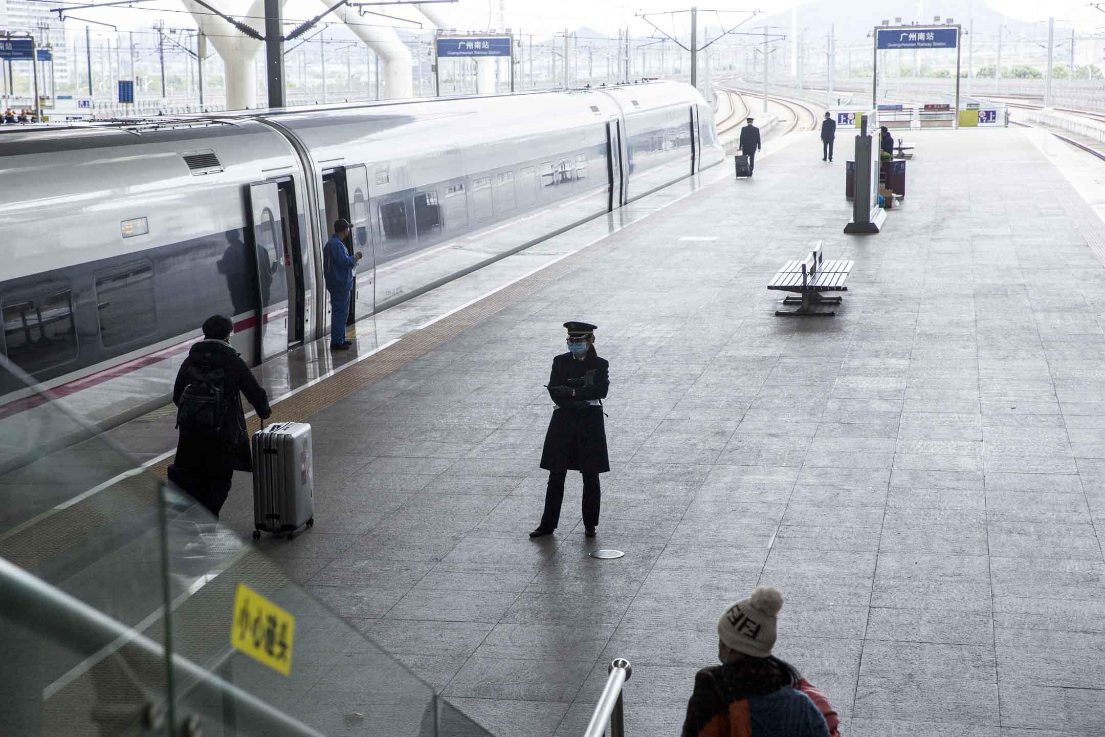 2020年1月26日,廣州南站。 攝:林振東/端傳媒