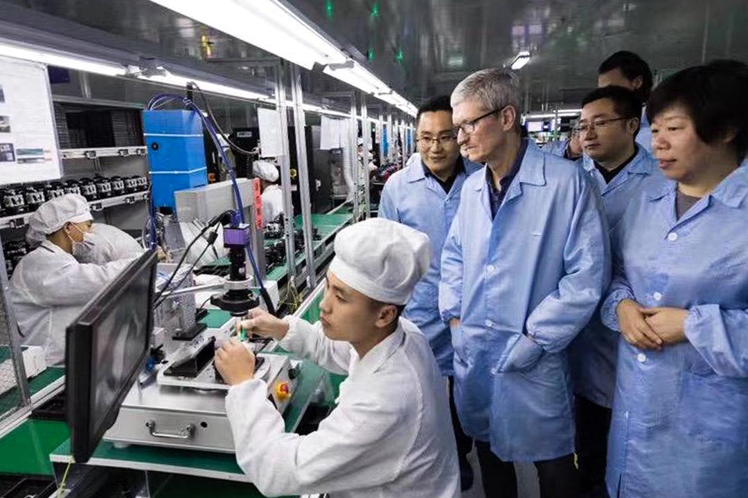 2017年12月4日,蘋果公司CEO蒂姆庫克到訪立訊精密的工廠。