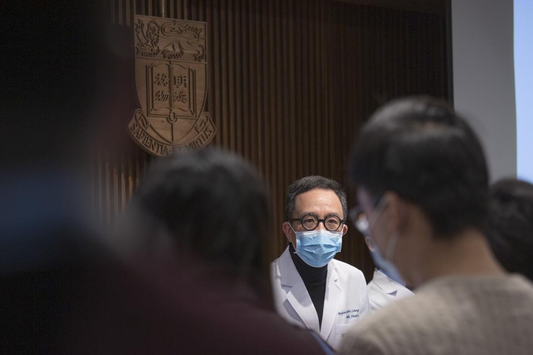 2020年1月27日,港大醫學教授梁卓偉發表其團隊針對新冠肺炎的疫情估算。