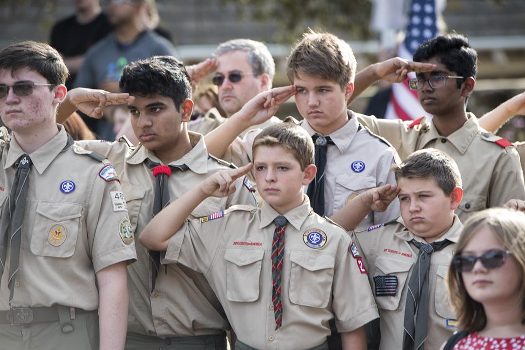 2018年11月15日,美國加州一批童軍出席一項紀念活動。 攝:Hans Gutknecht / Getty Images