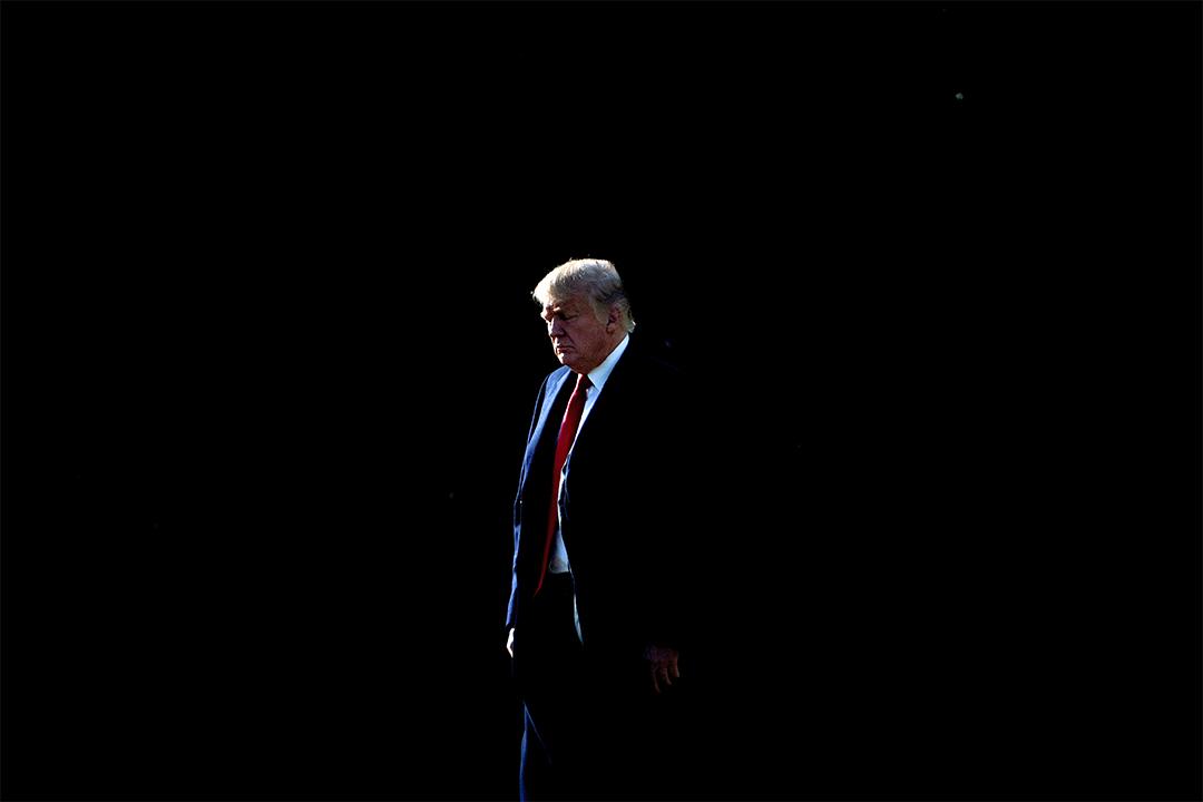 2017年12月21日,美國總統特朗普在華盛頓的白宮草坪上。