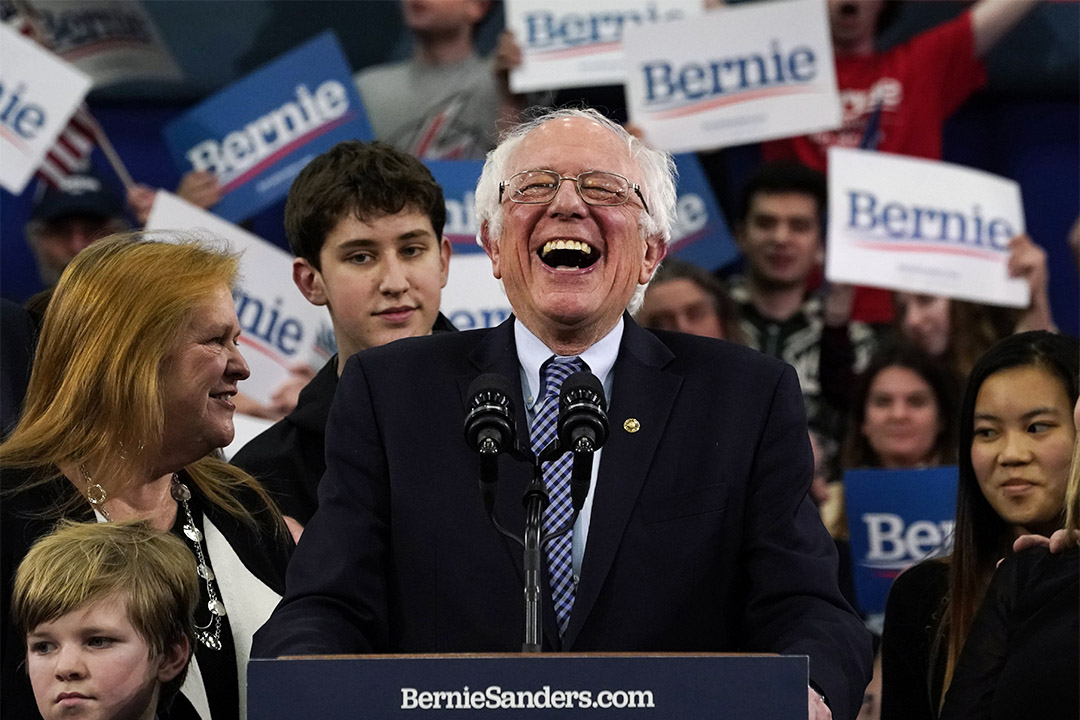 2020年2月11日,民主黨總統候選人桑德斯(Bernie Sanders)在新罕布什爾州曼徹斯特的場館發表講話。