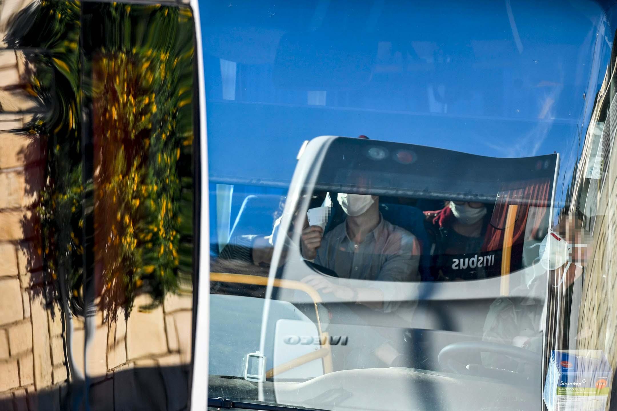 2020年1月31日,一輛載有法國公民的車輛從中國武漢撤離後到達法國。