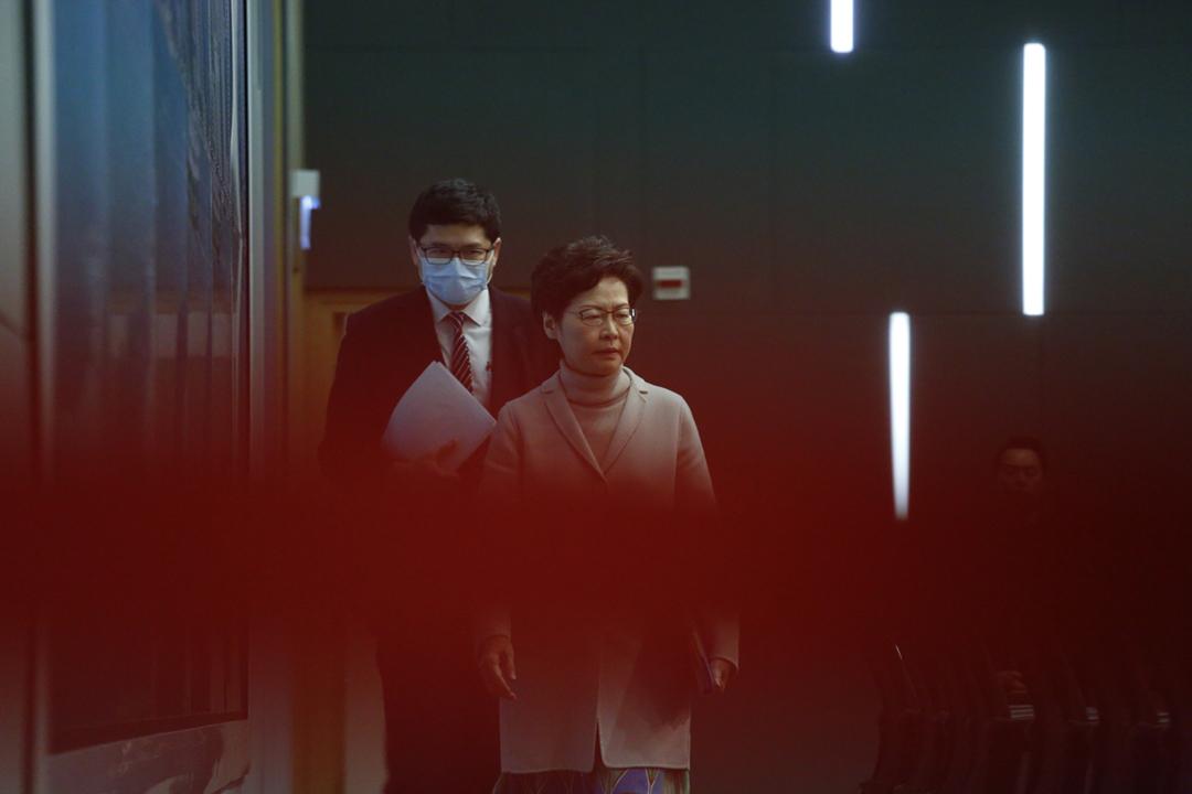 2020年2月3日,香港特首林鄭月娥出席政府記者會,宣布進一步關閉四個口岸。 攝:林振東 / 端傳媒