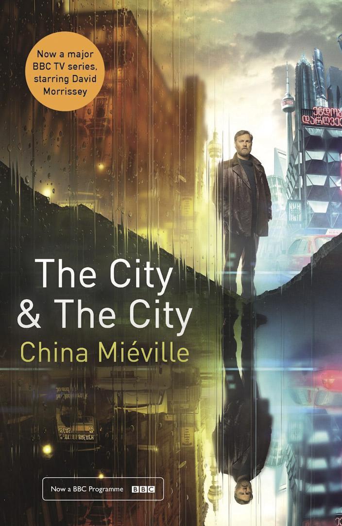 柴納.米耶維(China Mieville)結合科幻和警察程序的小說《被謀殺的城市》(The City & The City)。