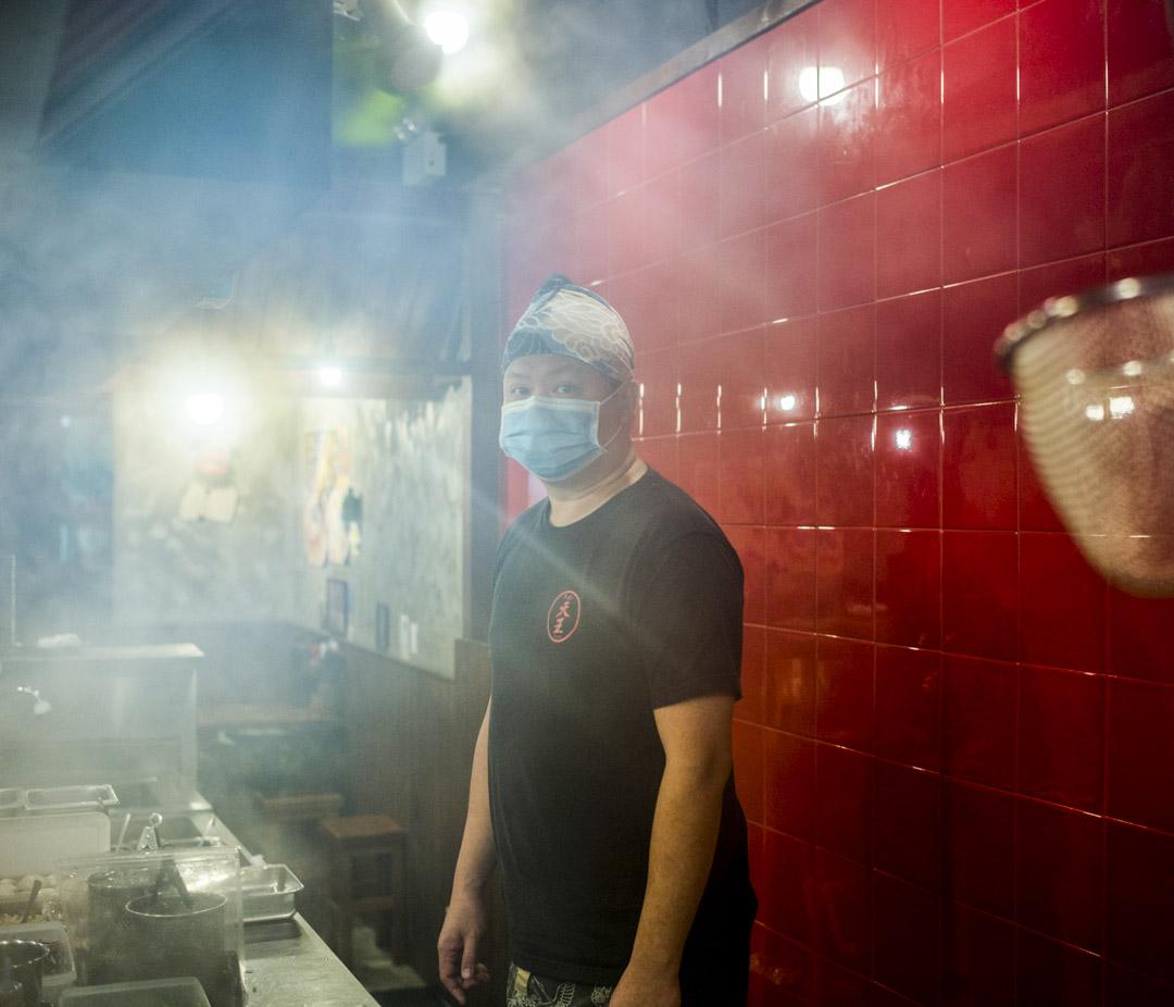 「拉麵天王」老闆黃先生。