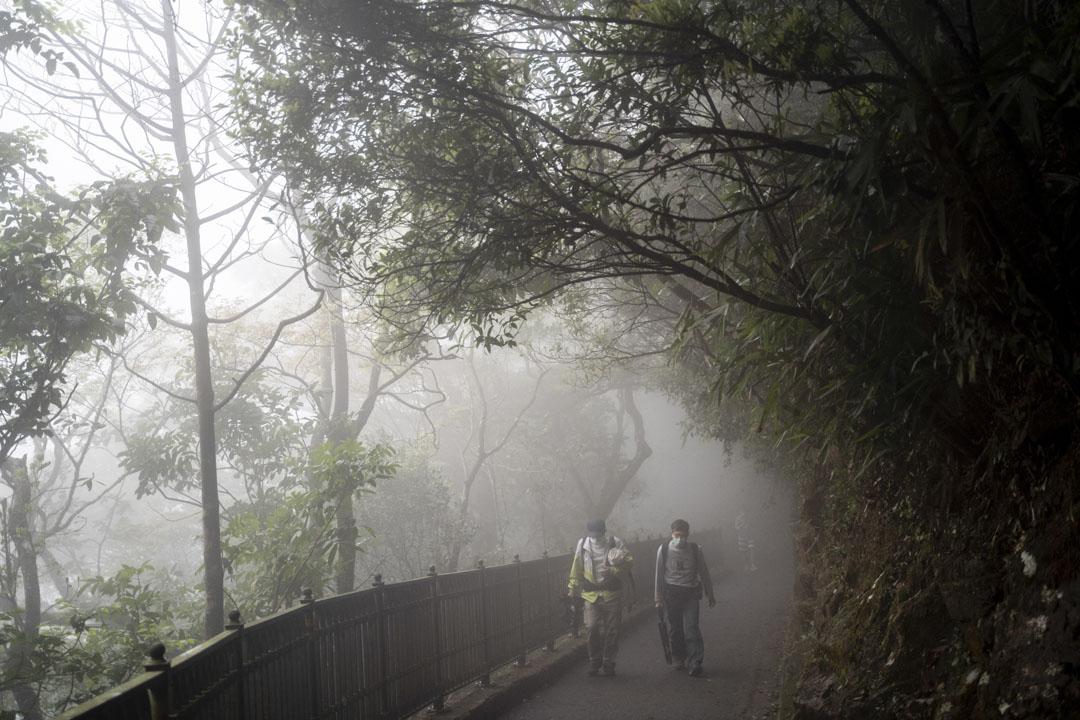 2020年3月21日,大霧中的山頂盧吉道。