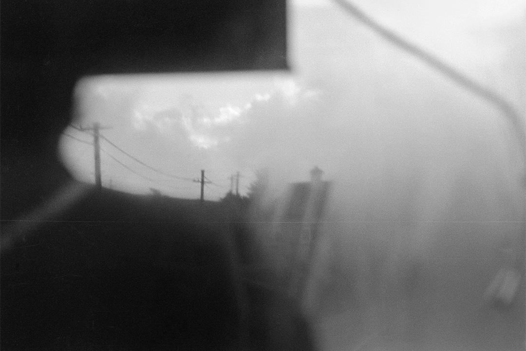 雨中車窗  (1976-1980)。
