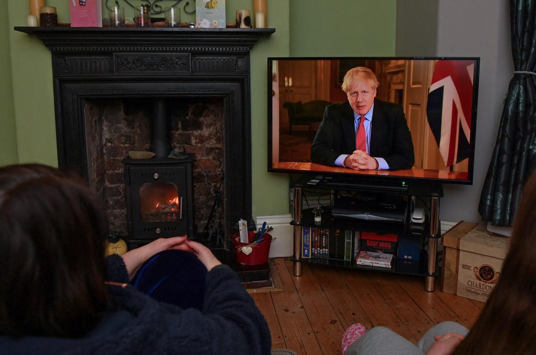 2020年3月23日,英國首相約翰遜發表電視講話,呼籲民眾留在家中。