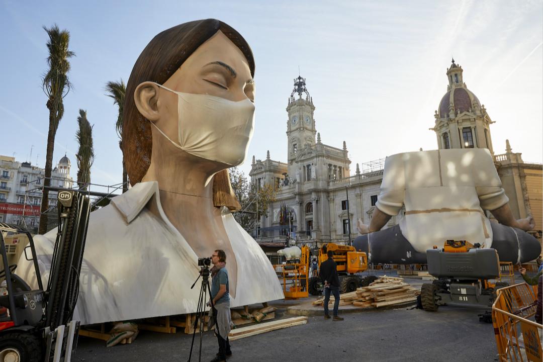 2020年3月11日,西班牙巴倫西亞,傳統節日法雅節(Las Fallas)人偶,該節日今年因新冠疫情被取消。 攝:Fernando Ruiz/Getty Images