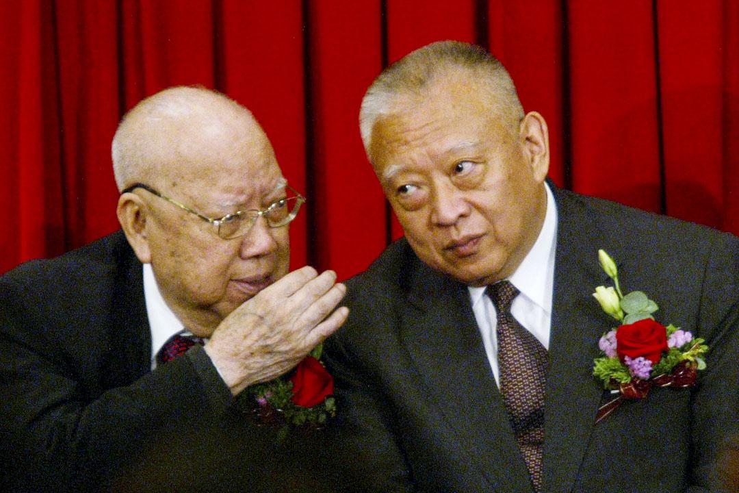 前全國政協常委徐四民與首任特首董建華。