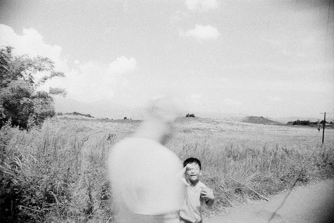 小孩與殘影,觀音山 (1973-1974) 。