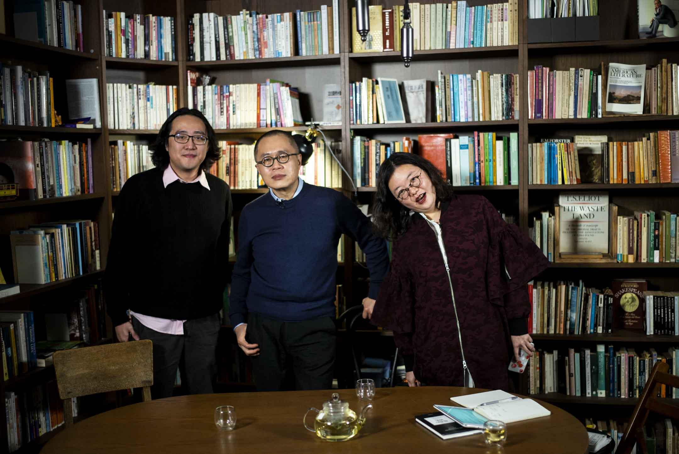 楊俊賢、梁文道與鄧小樺。 攝:林振東/端傳媒