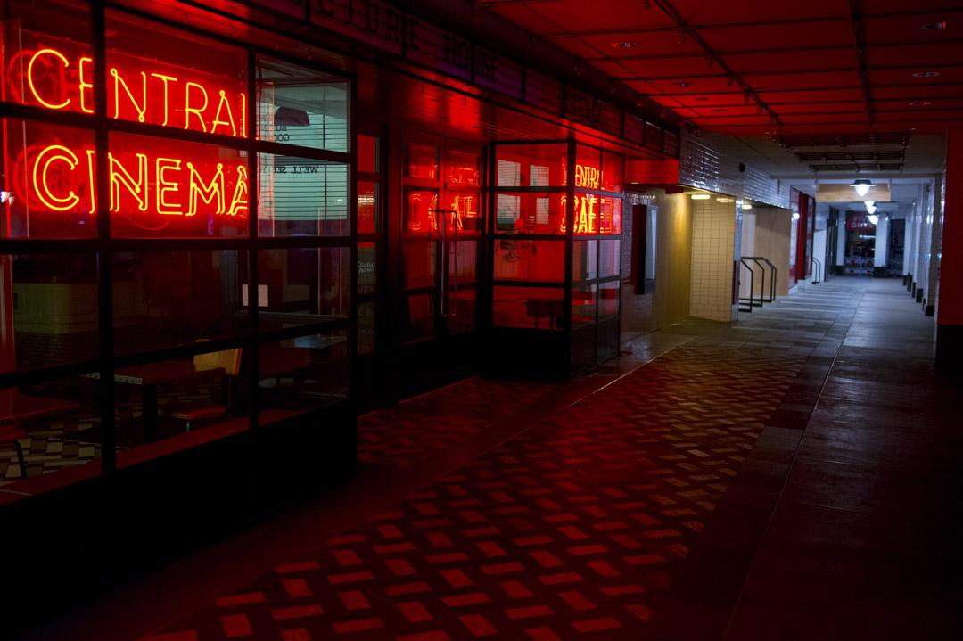 2020年3月24日,英國倫敦市中心的一間沒營業的電影院。