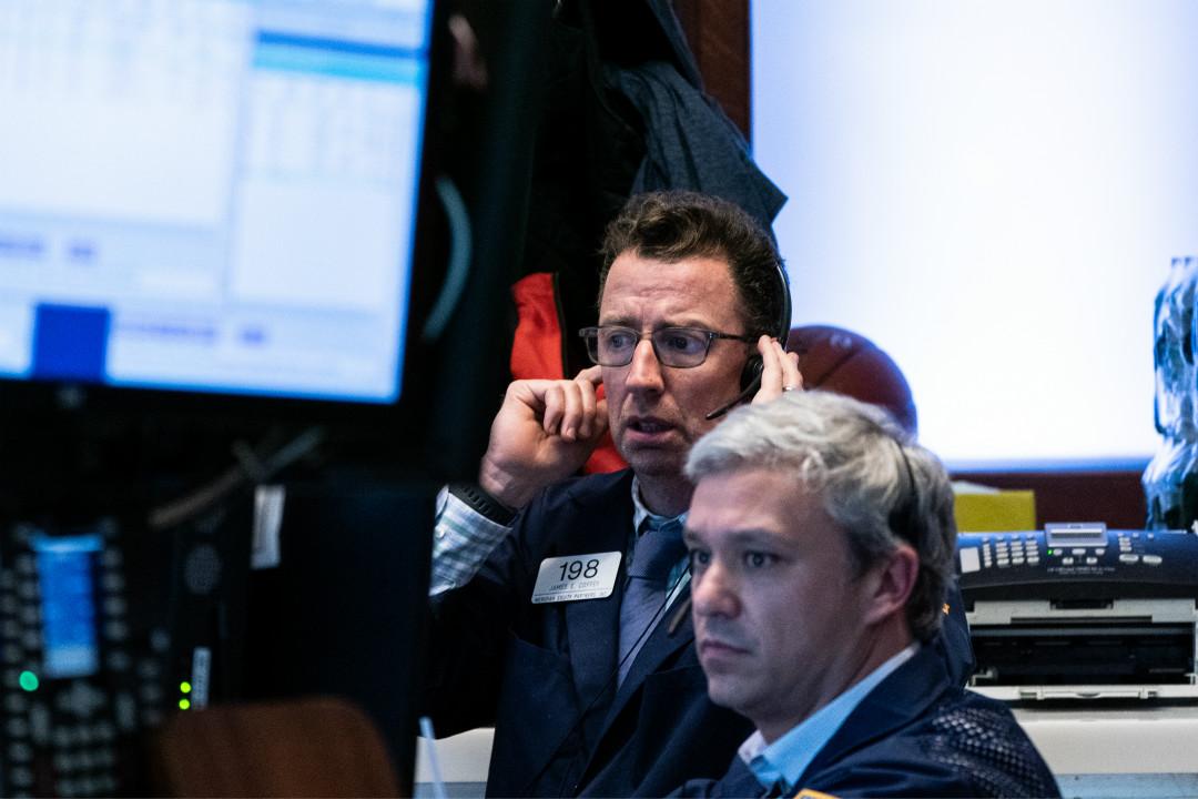 2020年3月12日,紐約證券交易所,道瓊斯工業平均指數大跌將近10%。 攝:Jeenah Moon/Getty Images