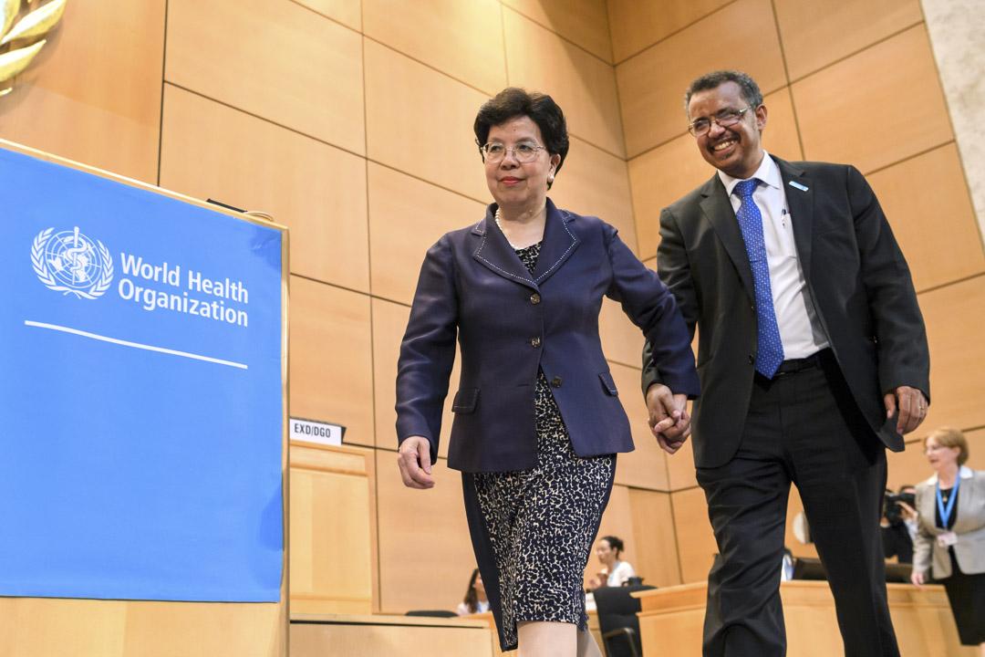 2017年5月23日,在日內瓦舉行的世衞大會,世界衞生組織(WHO)即將離任的總幹事陳馮富珍帶著埃塞俄比亞新任世衞組織總幹事譚德塞上台。