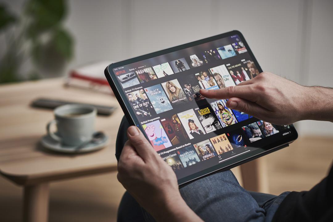 2020年3月6日,Netflix在iPad Pro上播放。
