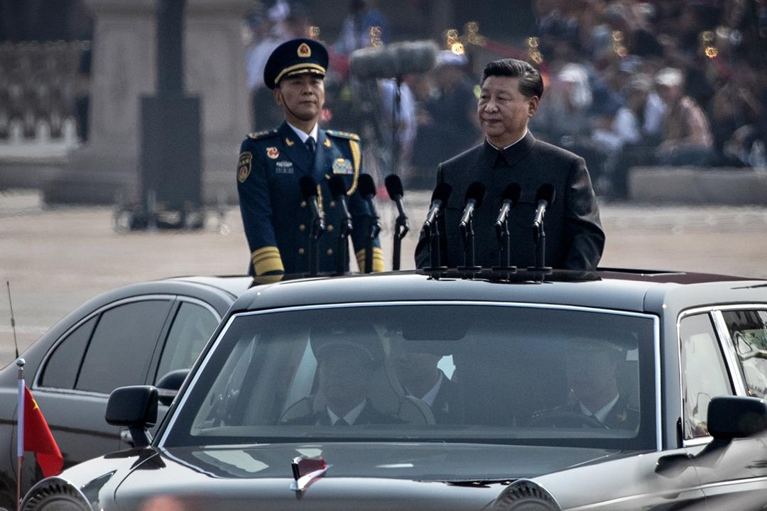 2019年10月1日,中國國家主席習近平在北京天安門廣場出席閱兵儀式。 攝:Kevin Frayer / Getty Images