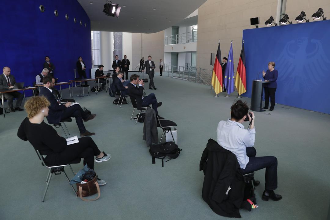 2020年4月6日,德國總理默克爾在柏林總理府向媒體簡介德國政府就冠狀病毒所採取的措施。