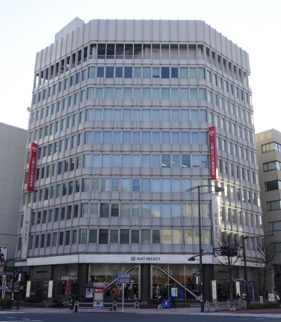 有日本獨立電影院開山始祖之稱的「岩波HALL」(岩波ホール)。