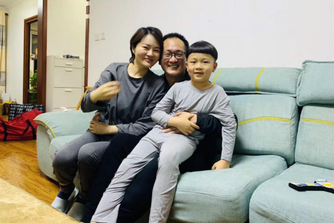 2020年4月27日晚,中國維權律師王全璋時隔五年回到北京家中,與家人團聚。 圖片來自網絡