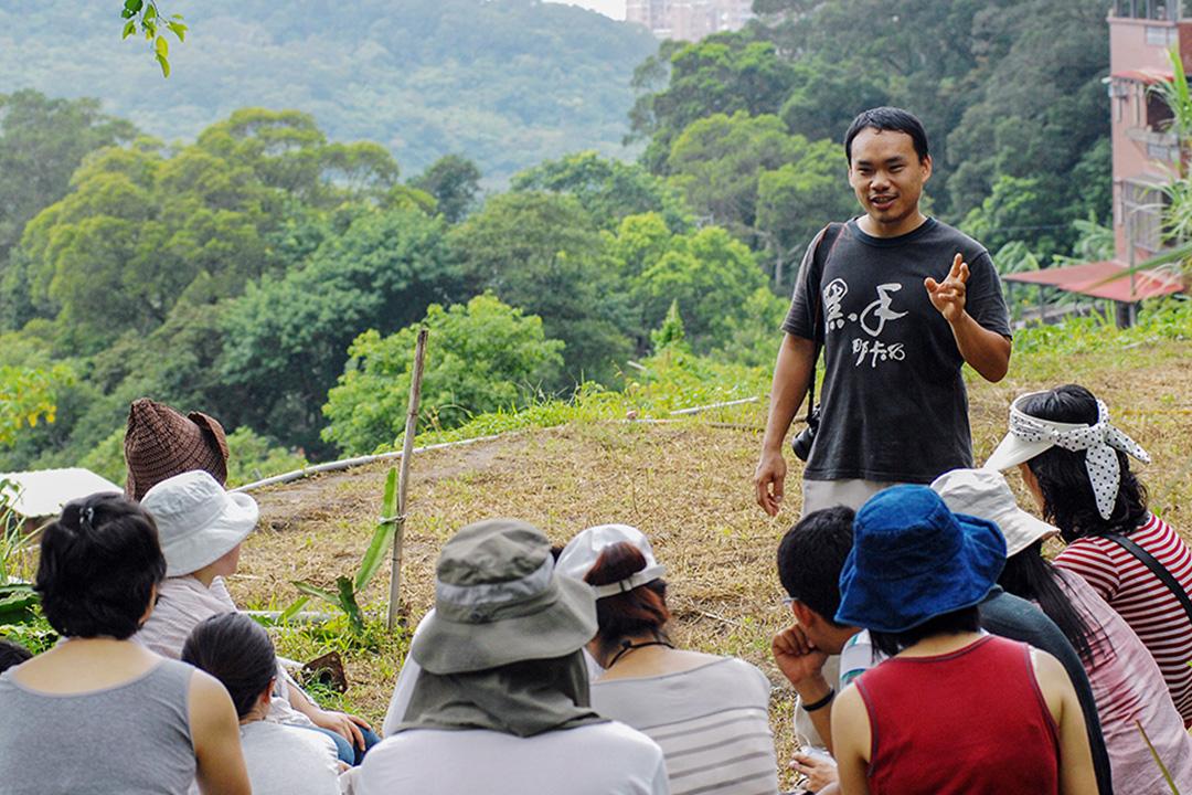 台灣農民楊儒門於2009年7月19日在台北舉辦有機農業課。