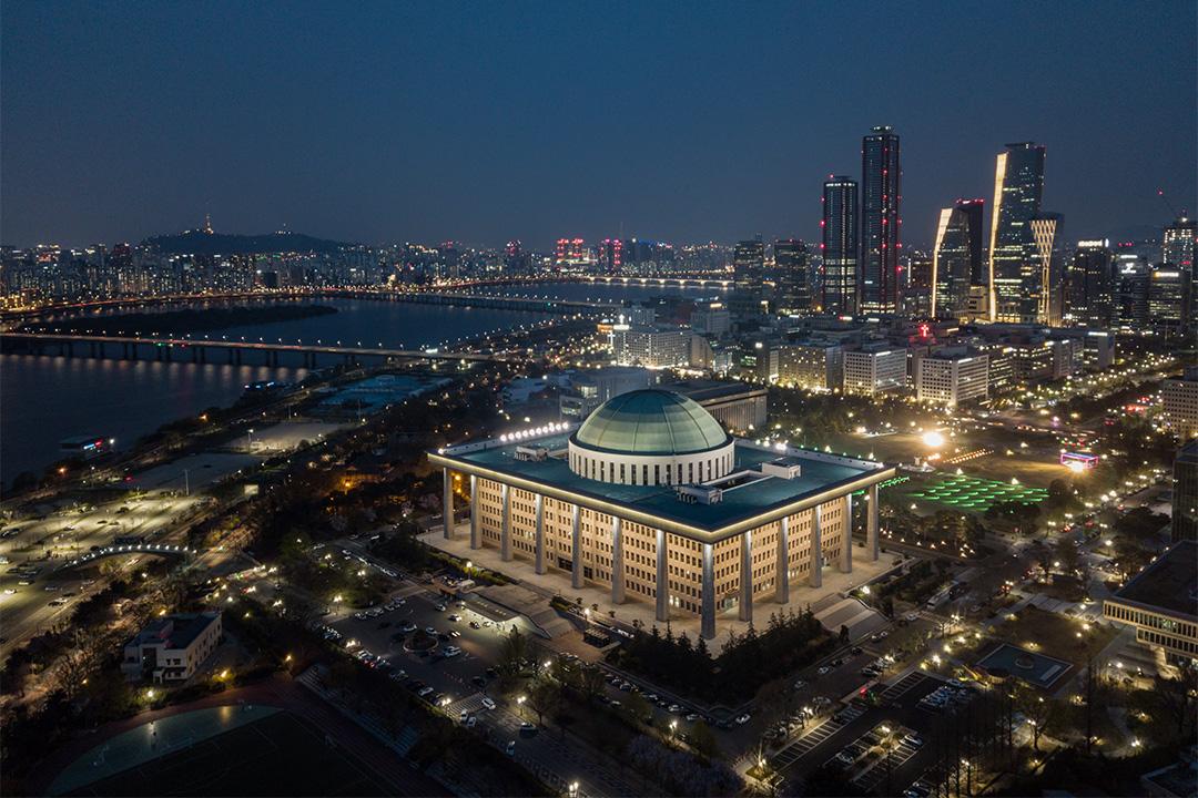 2020年4月15日,南韓首爾的南韓國會議事堂的全景。
