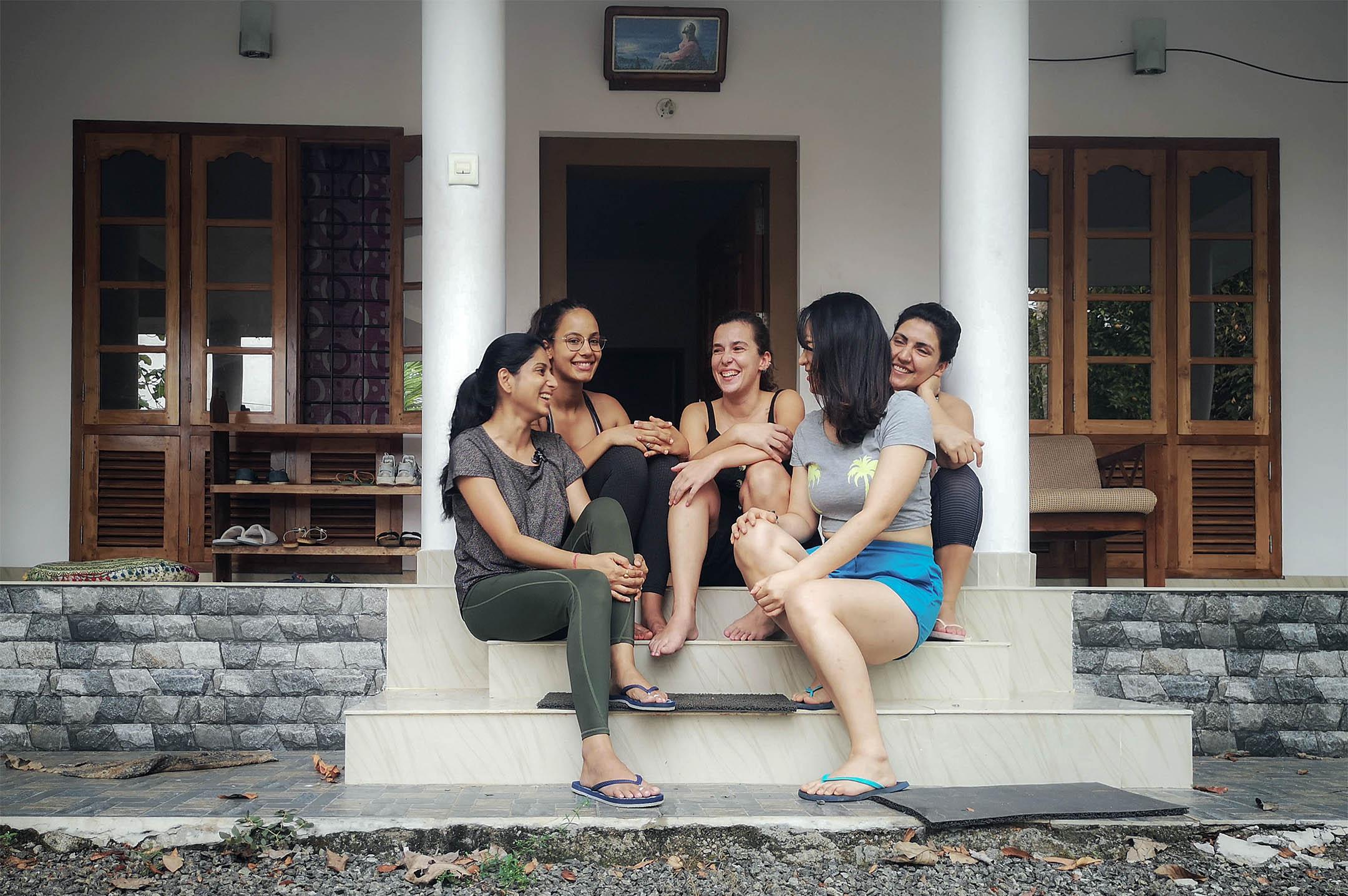 白宫內五名女生的合影。 圖:作者提供