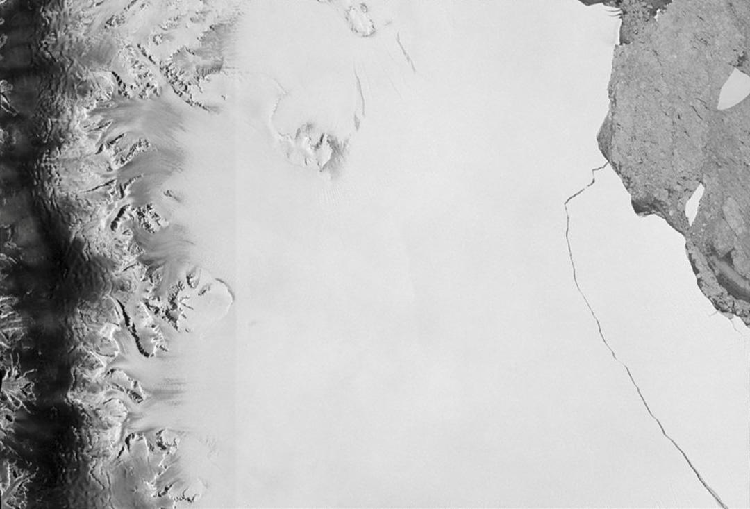 2017年7月12日,南極部分冰山破裂。