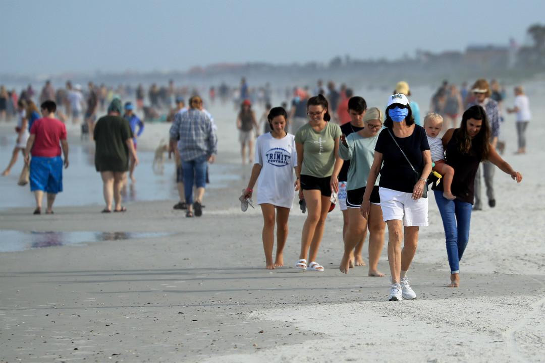 2020年4月19日,美國佛罗里达州 Jacksonville 海滩重新開放。 攝:Sam Greenwood/Getty Images