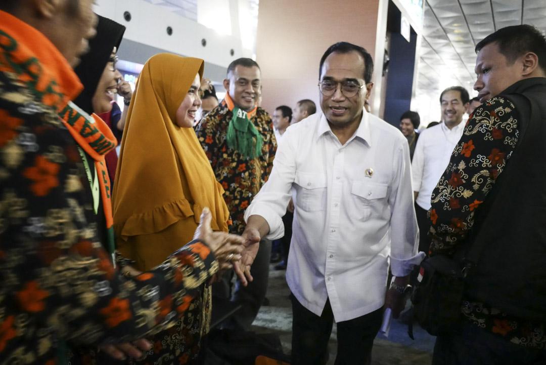 2020年2月27日,印尼交通部部長蘇馬迪會見滯留在印尼機場的穆斯林。