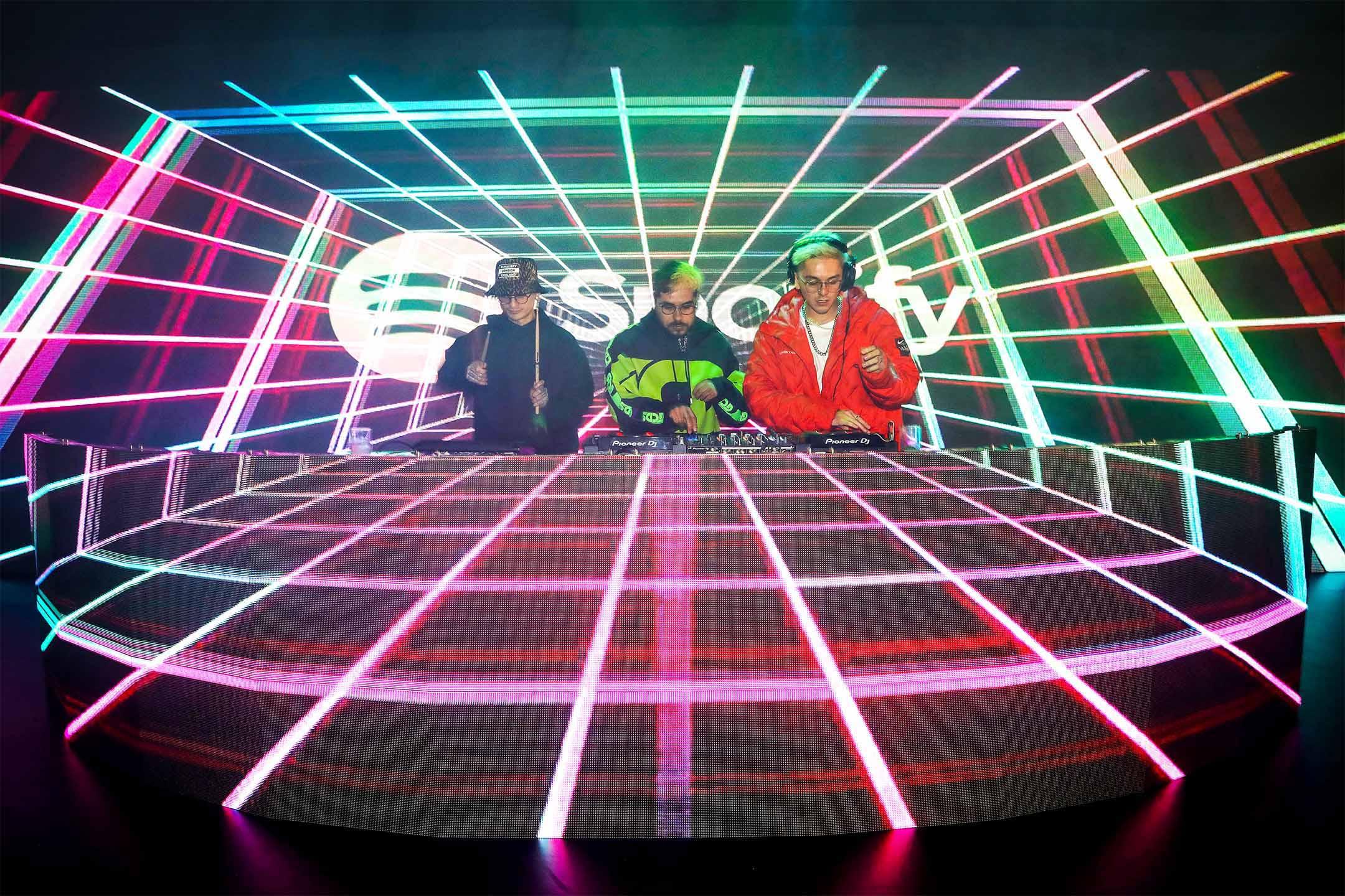 2020年3月5日墨西哥城,舞台上的表演者在Spotify頒獎禮上表演。