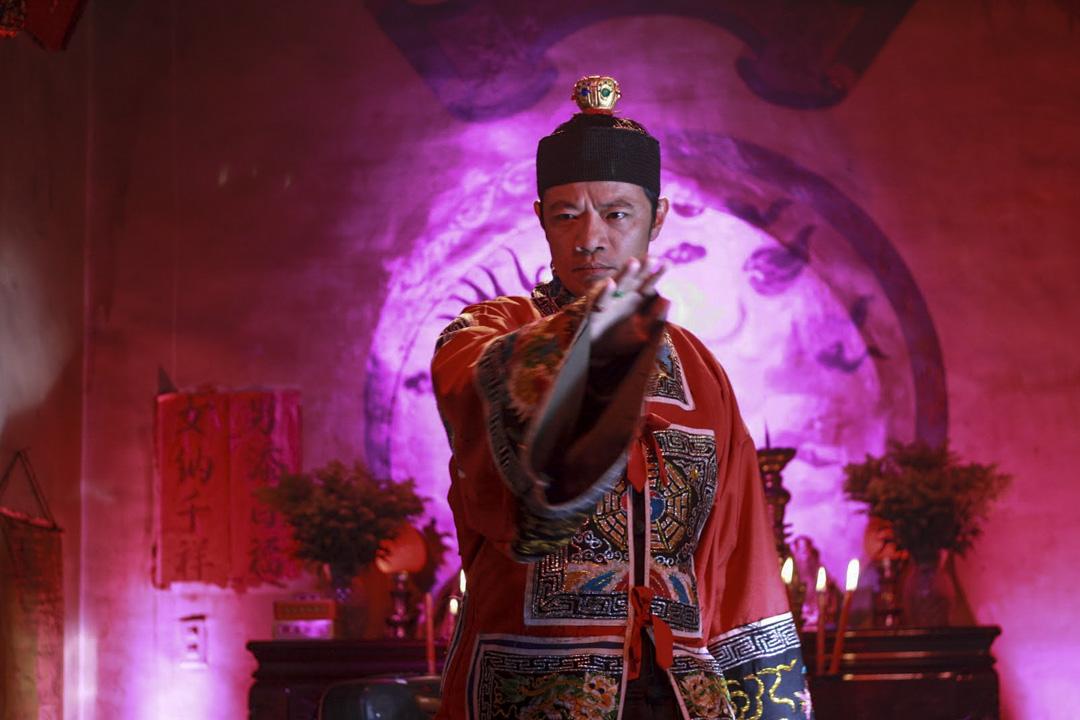 吳朋奉在《父後七日》的演出片段。