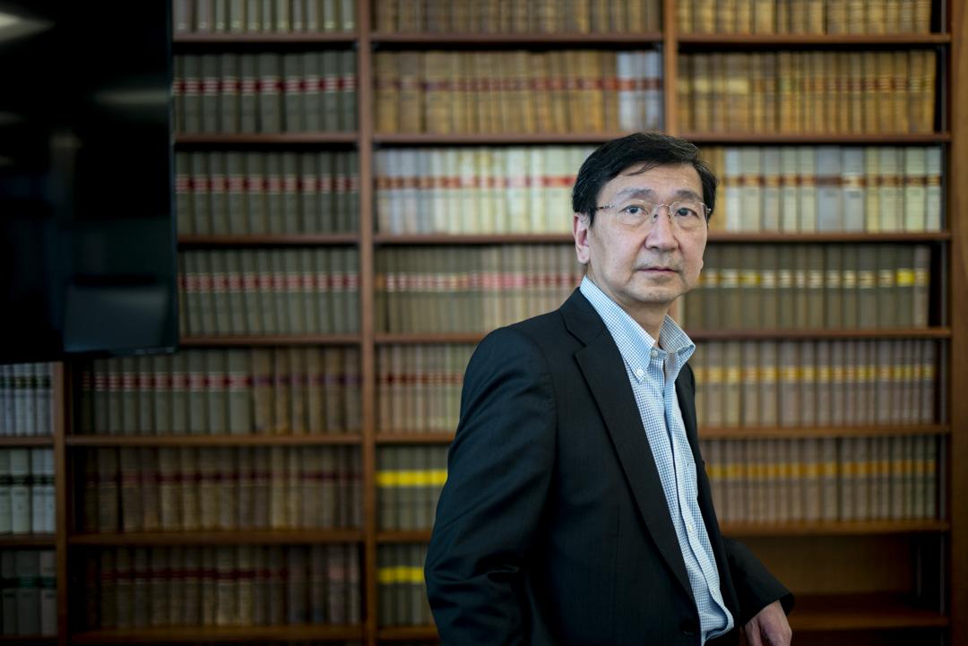 名譽資深大律師陳文敏。
