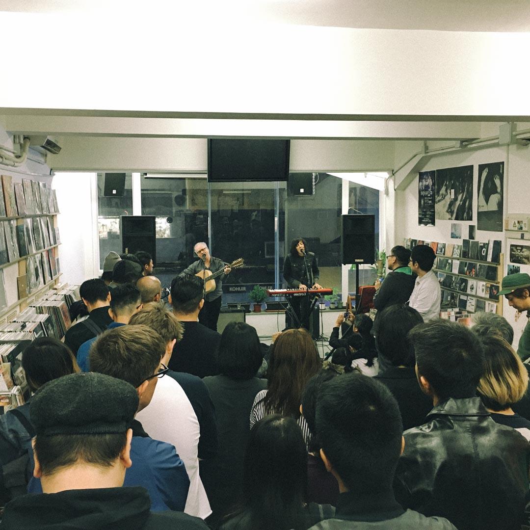 White Noise第三間據地,上海街,攝於2015年12月, 正舉行Damon & Naomi in-store show。