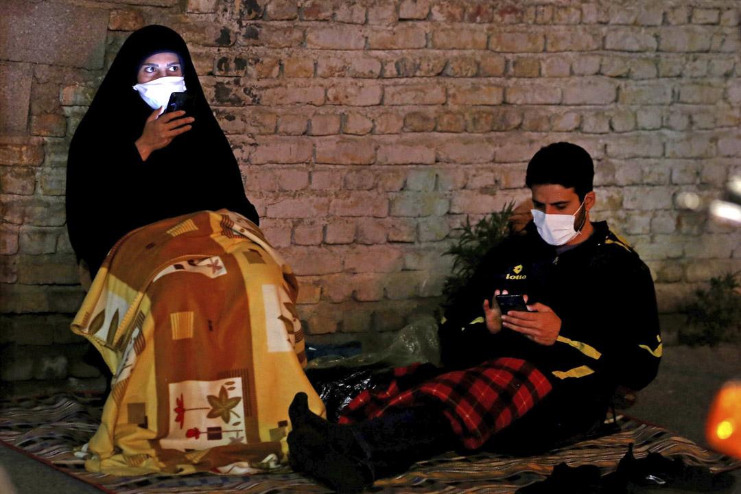 2020年5月13日伊朗,市民戴著口罩預防2019冠狀病毒。