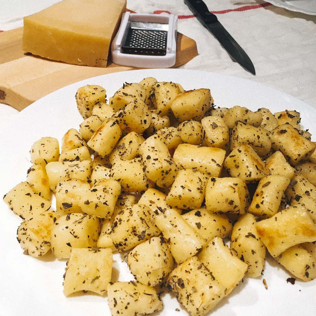 gnocchi(意大利馬鈴薯團子)。