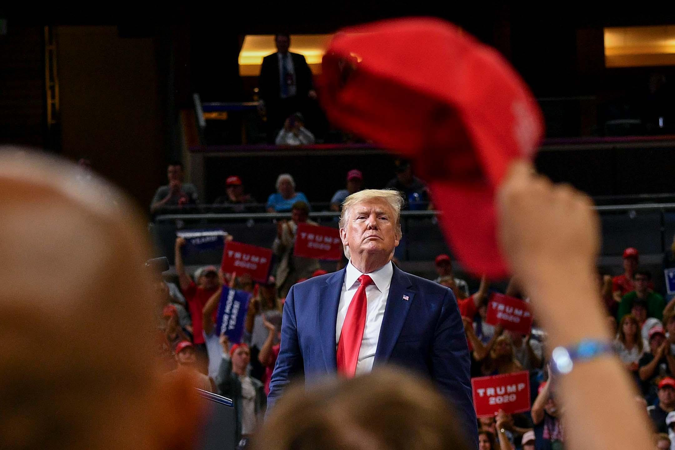 2019年6月18日,美國總統唐特朗普在正式啟動2020年競選活動,在佛羅里達州奧蘭多市安利中心的一次集會上發表講話。 攝:Mandel Ngan/AFP via Getty Images