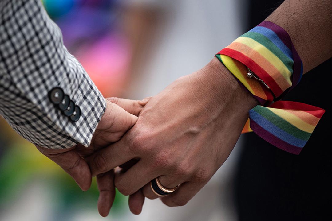 2019年5月25日,一對同性情侶牽著手舉行同志活動。