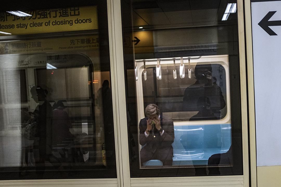 台北捷運內。