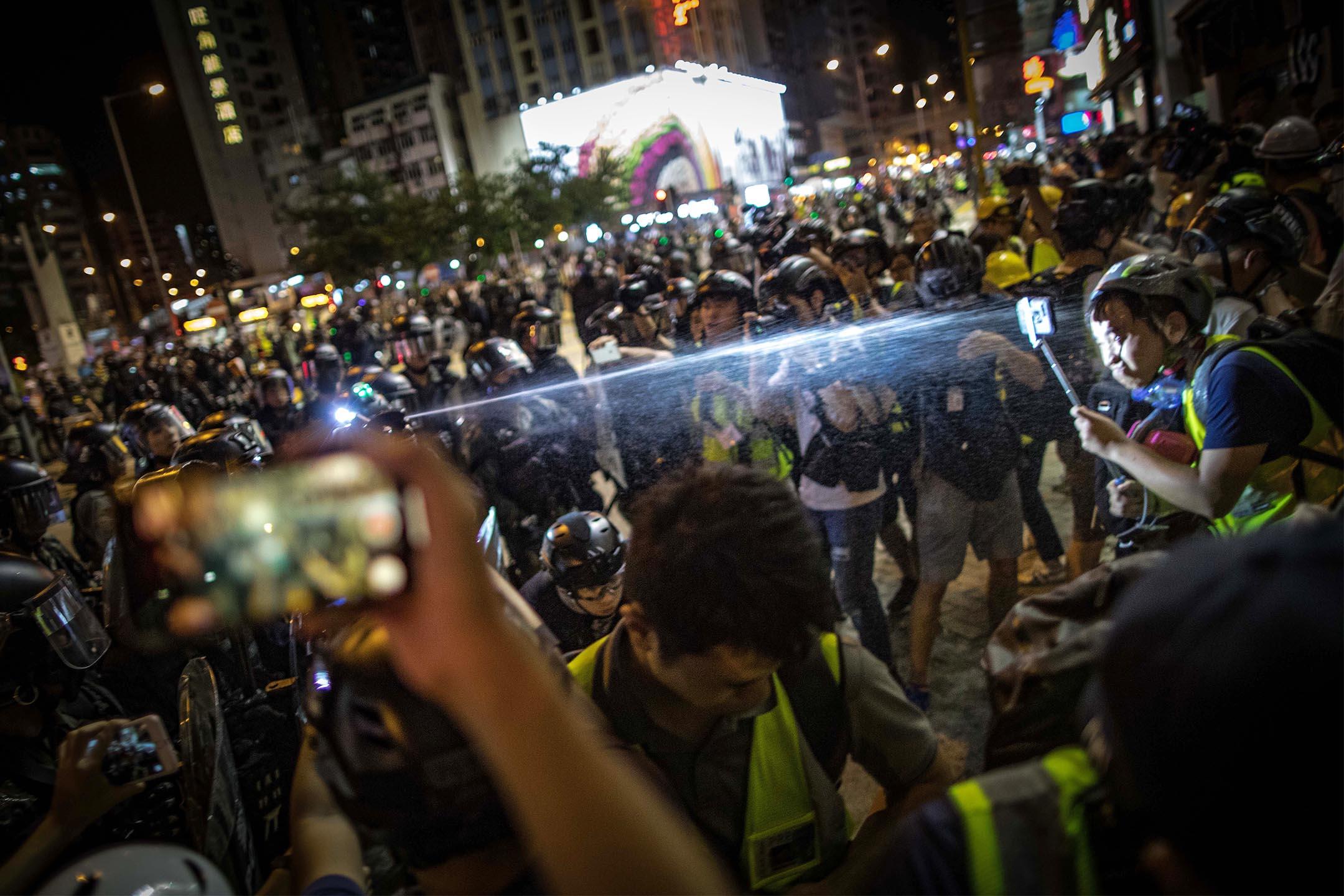 2019年9月7日,警方於太子清場期間,向多名記者正面噴射胡椒噴霧。