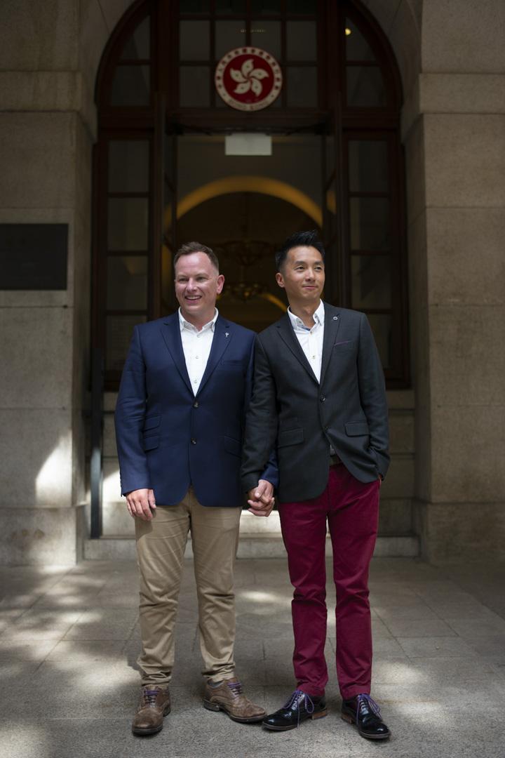 2019年6月6日,香港終審法院裁決,同性婚姻伴侶有權獲得與異性婚姻伴侶同樣的權利和福利。