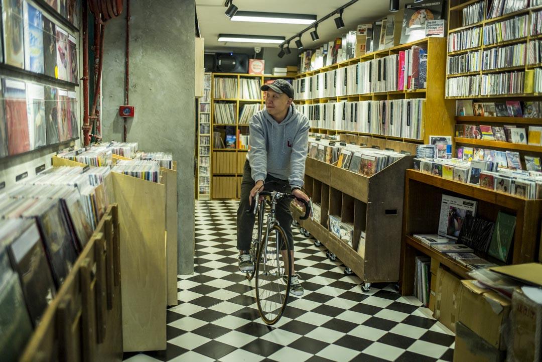 獨立唱片店White Noise 店主Gary Leong。 攝:林振東/端傳媒