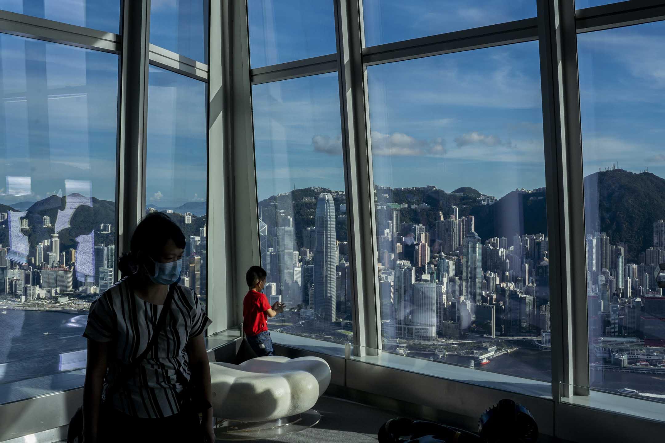 2020年6月30日,香港。「港區國安法」經全國人大常委表決通過,特首林鄭月娥隨後宣佈,「港區國安法」會在這天稍後生效。 攝:林振東/端傳媒