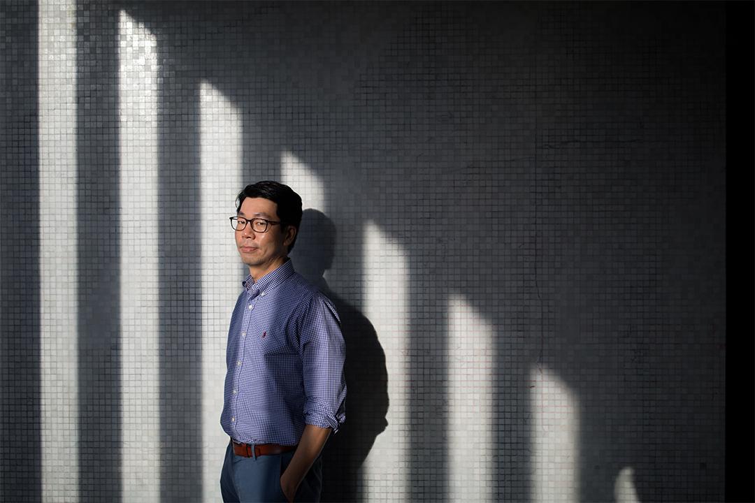 香港大學經濟學係教授鄧希煒。