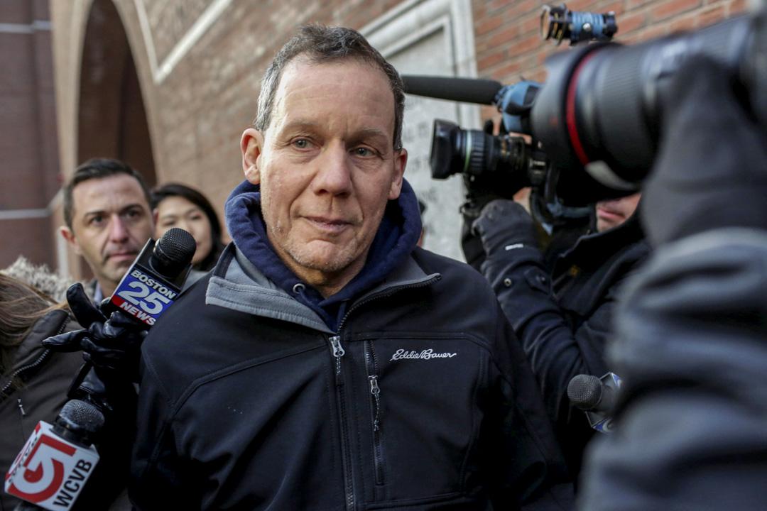 2020年1月,哈佛大學化學系主任Charles M. Lieber被控重罪,理由是未如實披露與中國大學的關係。